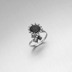 🐝TOP SELLER🐝 Silver Bumblebee and Sunflower Ring